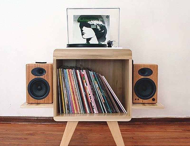 Do I need speakers for my turntable
